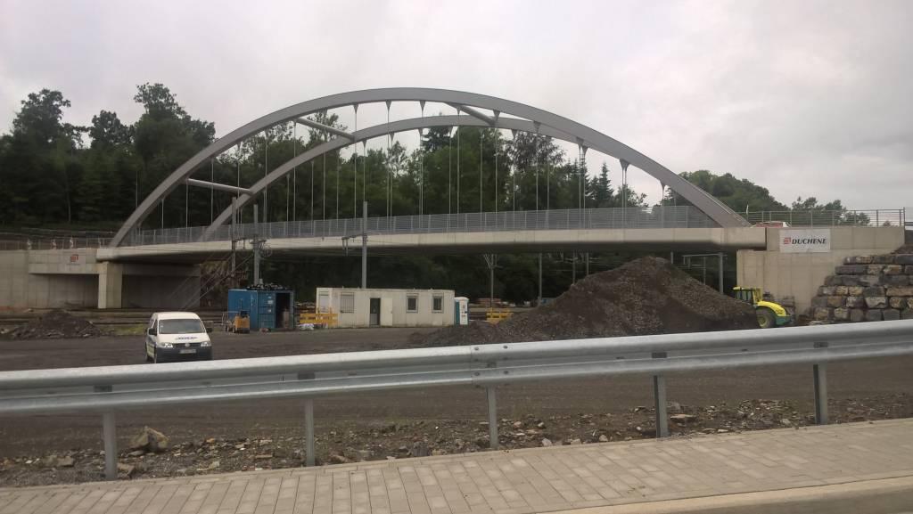 Pont en béton préfabriqué