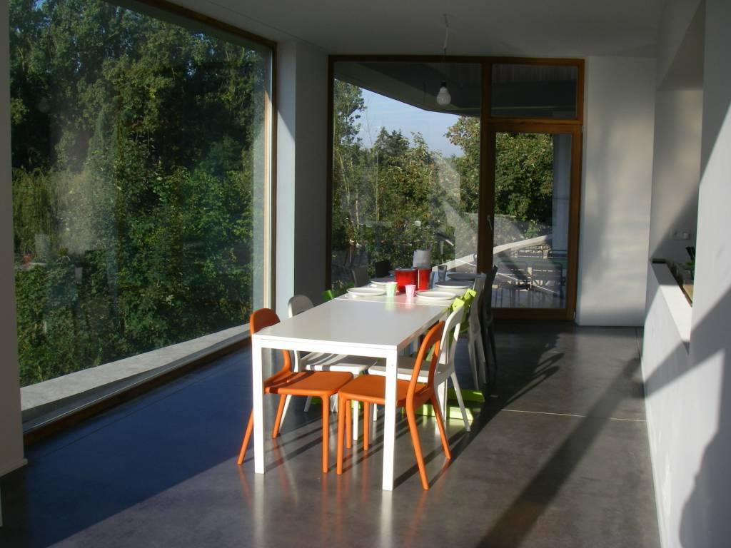 Nos solutions b tons pour salons et salles manger for Beton lisse exterieur belgique