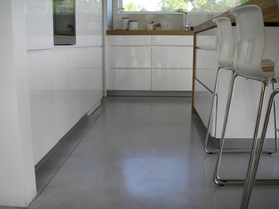 Béton lissé au quartz gris clair