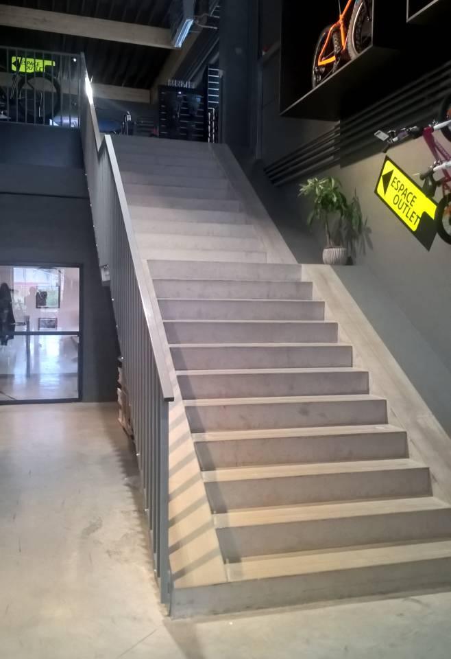 Escaliers intérieurs préfabriqués en béton architectonique